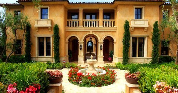Tour This Gorgeous Tuscan Home Now!