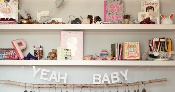 17 cool colorful ways to organize your kids room room for Cool ways to organize your room