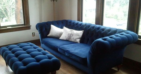 Best Blue Tufted Ottoman It Is Gorgeous Midnight Blue 400 x 300