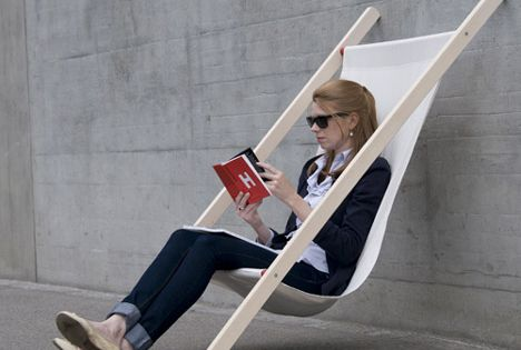 Curt deck chair by Swiss design studio BERNHARD BURKARD