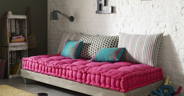 matelas tapissier capitonn passepoil pur coton pour banquette 3 suisses salon pinterest. Black Bedroom Furniture Sets. Home Design Ideas