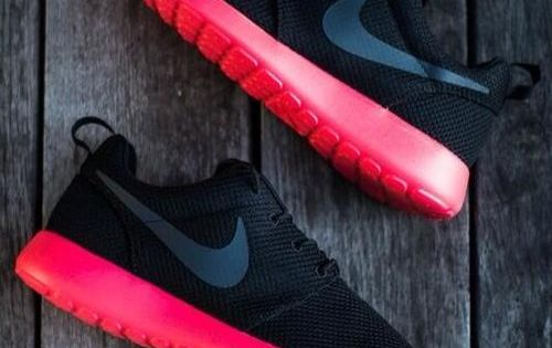 Thinking I may need a pair of Nike Roshes soon... Possibly these colors a�?i??a?�i?? | See more about Nike Shoes, Nike and Shoes Outlet.