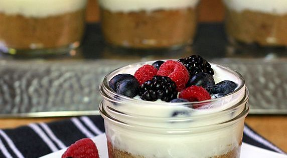 Healthy Bread Pudding breakfast made ahead in grab-and-go mason jars.