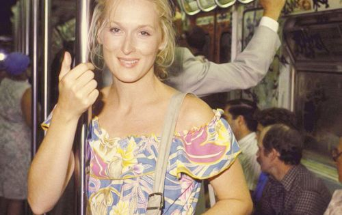 A super young Meryl Streep on the subway. Beautiful.