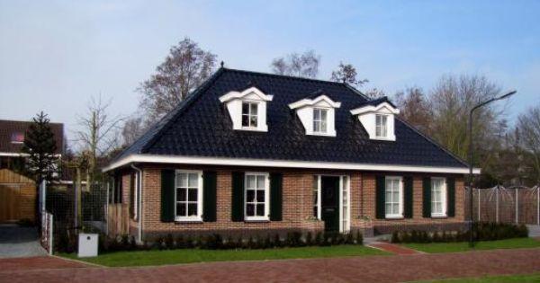 Een klassieke notariswoning met drie dakkapellen deze woning is erg geschikt voor slapen op de - Entree eigentijds huis ...