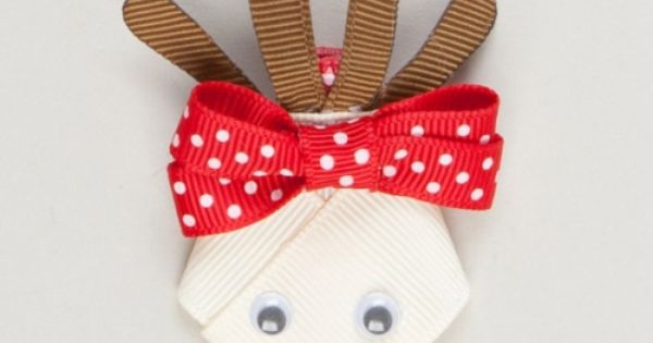 Reindeer ribbon sculpture clip.