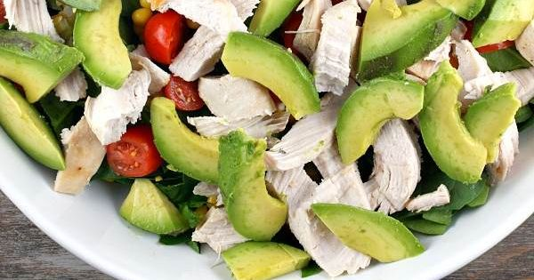 Spinach Salad with Chicken, Avocado and Goat Cheese | Ensaladas ...