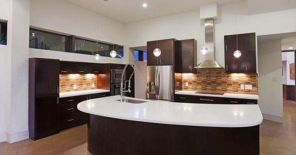 734 E 8th St Houston Tx 77007 Spacious Kitchens Stainless Refrigerator Stainless Sink
