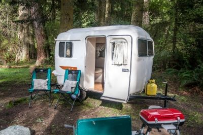 Fun Easy And Low Stress Camper Rental For Pacific Northwest Adventures Camper Rental Small Campers Camper