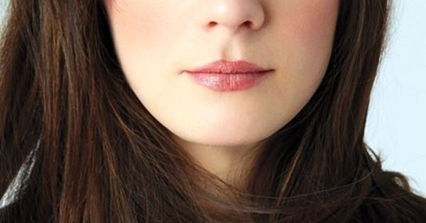 Zooey Deschanel - dark hair, blue eyes, natural make-up. Pretty!