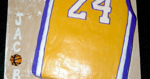 Kobe Bryant Jersey Cake On A 17 Quot X 24 Quot Board All