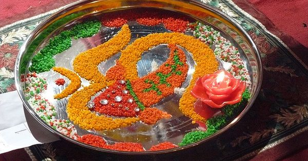 Aarti thali by rajeshm 11 via flickr weddings weddings for Aarti thali decoration with grains