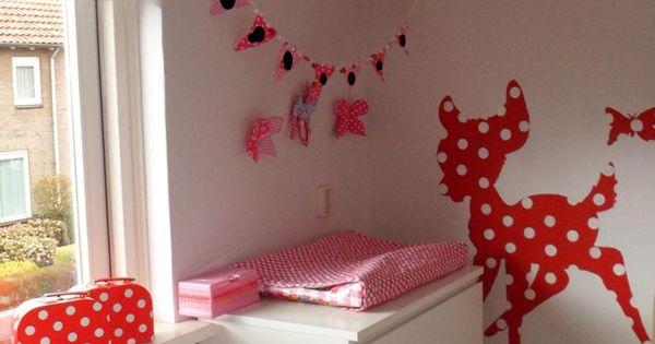 Babykamer Ideeen Rood : Babykamer rood met witte stippen Kinderkamer ...