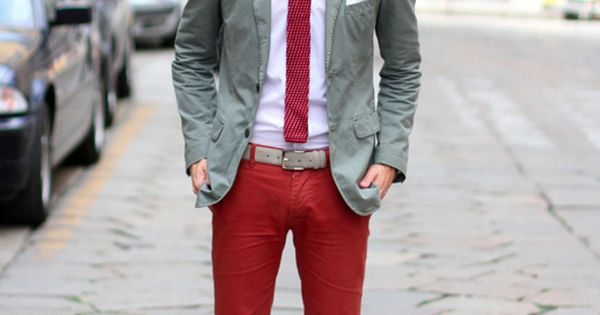 red pants, white shirt, red tie combi