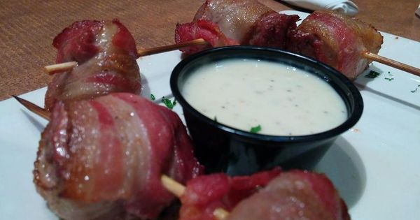 Bacon wrapped steak skewers from boston 39 s the gourmet for Steak boston
