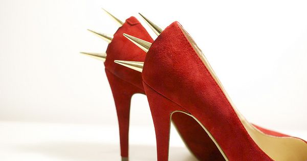 DIY Spike fashion shoes shoes| http://girlshoescollections187.blogspot.com