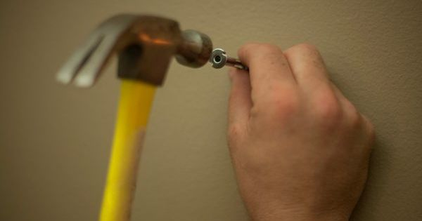 How To Hang Heavy Things Without Nails Drywall