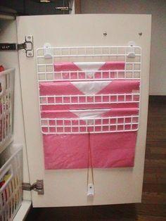 場所を取らない ゴミ袋収納ラック 100 均アイテムを使ったキッチン