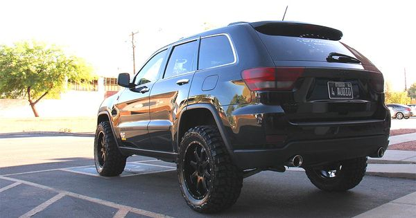 jeep grand cherokee with a 2 5 inch lift kit 32 tires and wheel spacers jeep pinterest. Black Bedroom Furniture Sets. Home Design Ideas