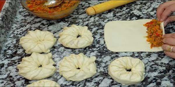 فطائر محشية بــ عجينه هشه شوف نشرح اليوم طريقة عمل الفطائر المحشية بالفرن مع عجينة الفطائر بالفرن الطرية بحشوة غير شكل للغ Moroccan Food Chapati Recipes Food