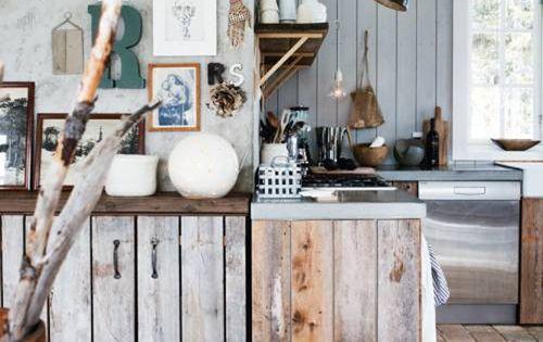 Rustic wood cabinets from Skona Hem (via emmas living room design kitchen