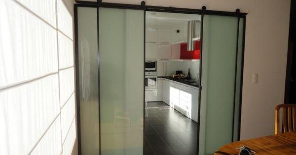 Cloison int rieur coulissante acier sur rail vitrage opale for Cloison en verre interieur