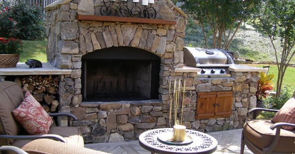 Outdoor Fireplace/ built in Grill