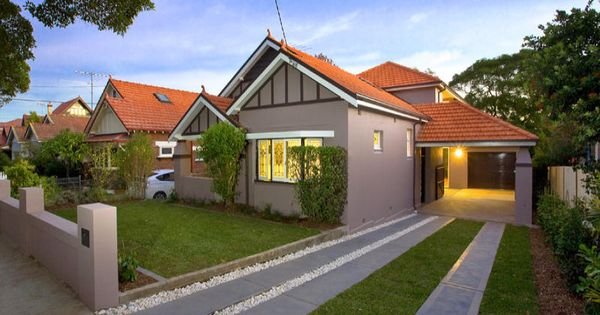 Rendered brick californian bungalow house exterior with for House facade renovation ideas