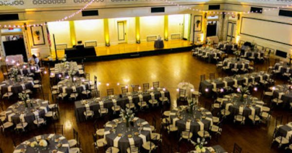 Artistic Stylish Elegant Fun Weddings Soldiers And Sailors Memorial Hall Table Arrangements Wedding Sailor Wedding Pittsburgh Wedding Venues