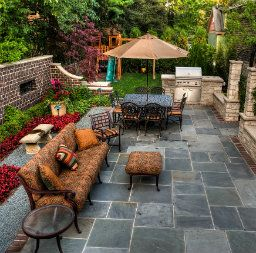 Experts Explain When Should You Invest In Upgrading Your Home Small Backyard Landscaping Backyard Landscaping Designs Backyard Seating