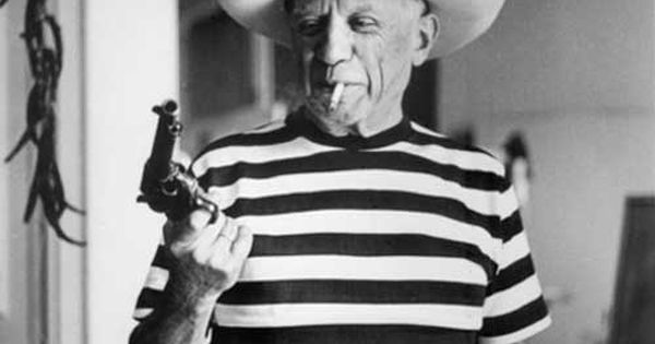 famous people smoking cigarettes: Pablo Picasso