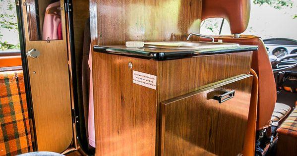 A l int rieur de notre combi westfalia 1975 volkswagen for Interieur combi vw