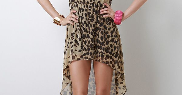 Super cute! Feeling the pink shoes with the leopard print.