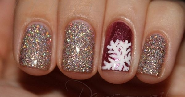 Winter sparkle - Christmas Nail Art Winter nails