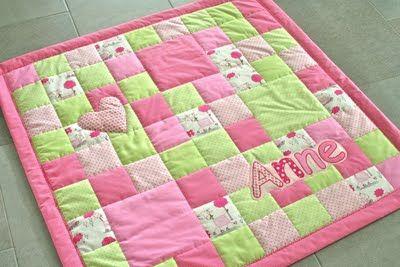 baby patchwork decke n hen pinterest patchwork decke deckchen und patchwork. Black Bedroom Furniture Sets. Home Design Ideas