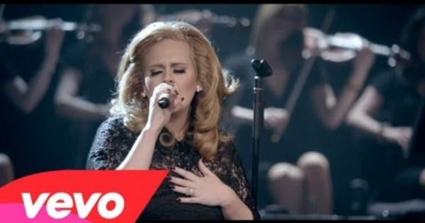 Adele turning tables live at the royal albert hall - Traduction turning tables adele ...