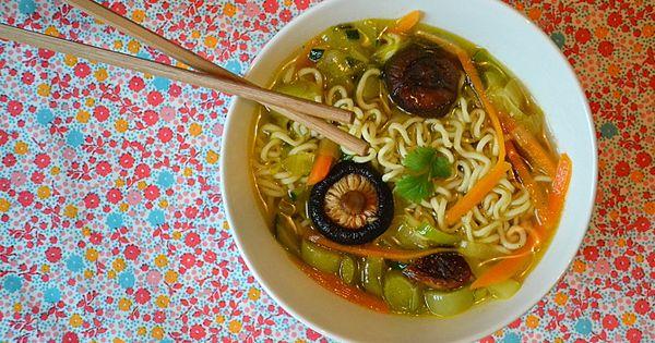 soupe de nouilles asiatique aux shiitake et petits l gumes recette d tox detox legumes and. Black Bedroom Furniture Sets. Home Design Ideas
