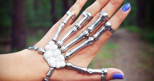 Skeleton hand ring / bracelet food