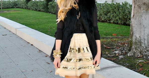 sweet holiday outfit {love the skirt and fashion models victoria secret models|
