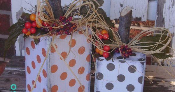 MAKING THESE!!! Polka-dot wooden pumpkins ♥ Love the polka-dots!