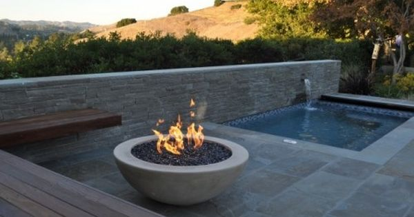 firepit area with fountain