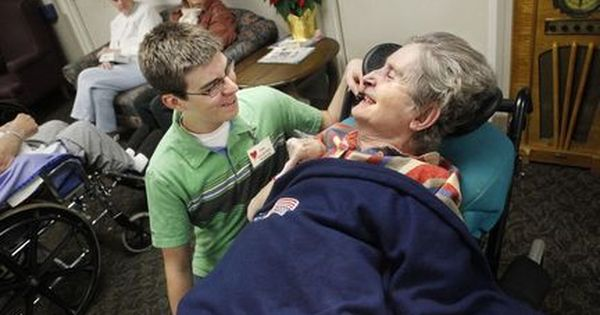 Helping Others Is The Key To Longevity, Study Finds