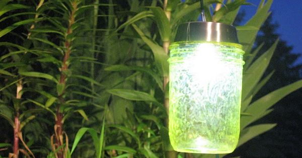DIY Solar Garden Lights: Mason jars, Colored Outdoor Mod Podge and Solar