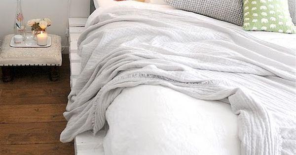 Pallet Bed!!! diy bed