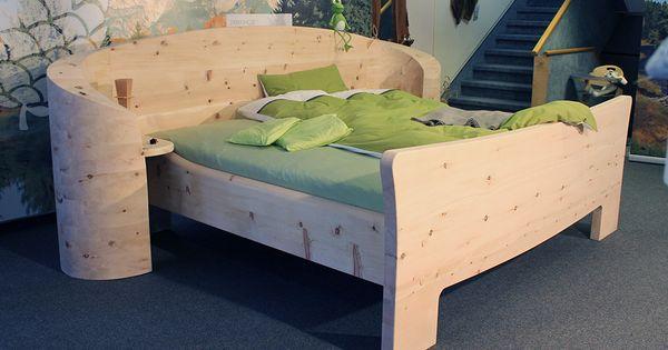 Superb Zirbenholz Massivholz Bett von M belhaus Messmer Einrichtung Schlafzimmer Holz M bel modernes Design au ergew hnliche Unikate Holzm bel Pinterest