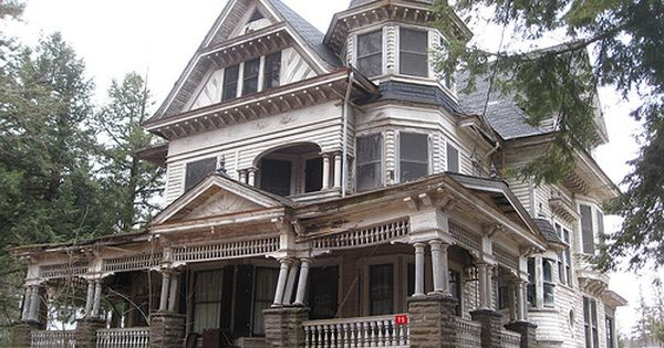 Victorian Houses - Abandoned Victorian mansion, Fleischmanns, New York