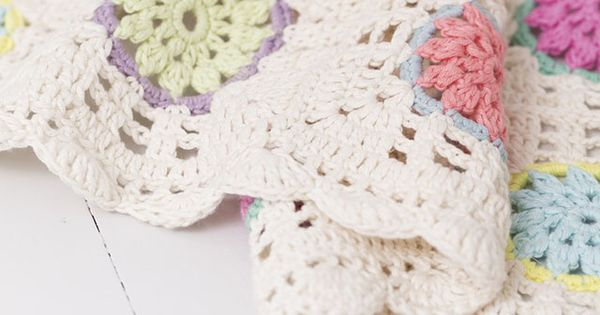 Crocheting Yarn Over : .com/2014/07/the-yarn-over-list-strawberry-vanilla.html - Crochet ...