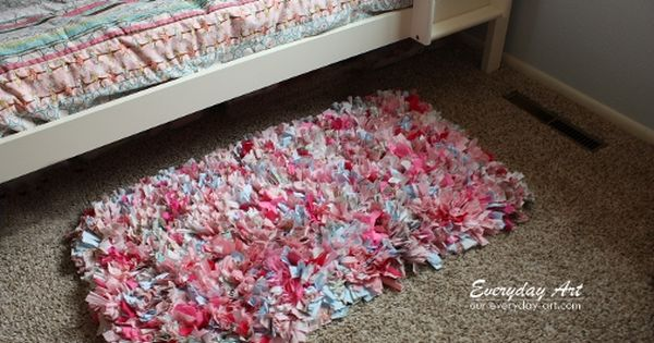 Everyday Art: DIY Handmade Rag Rug Tutorial.. I wanna make one for