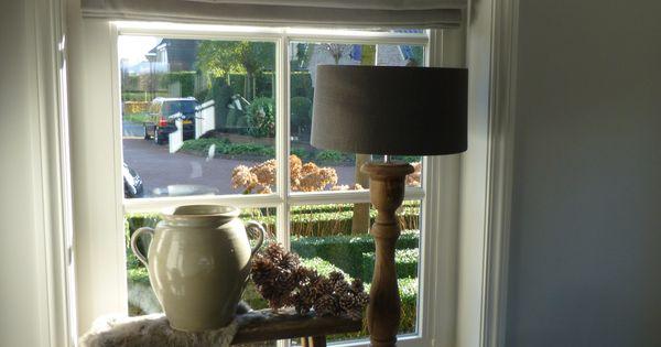 Vouwgordijn lamp vensterbank woonkamer pinterest vensterbank decoratie en vensterbanken - Ideeen deco blijven ...