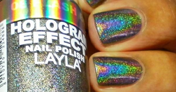 hologram nails. so sick.....one nailpolish i actually dont have